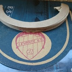 Coleccionismo deportivo: FÚTBOL VISERA ORIGINAL LEVANTE, VALENCIA, MUY RARA,ORIGINAL. Lote 122069536
