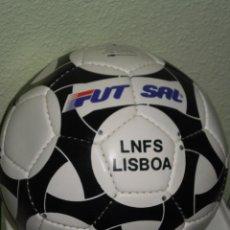 Coleccionismo deportivo: PELOTA DE PIEL , FUTBOL SALA . * LNFS LISBOA * , AÑOS 80/90 .. Lote 125104059