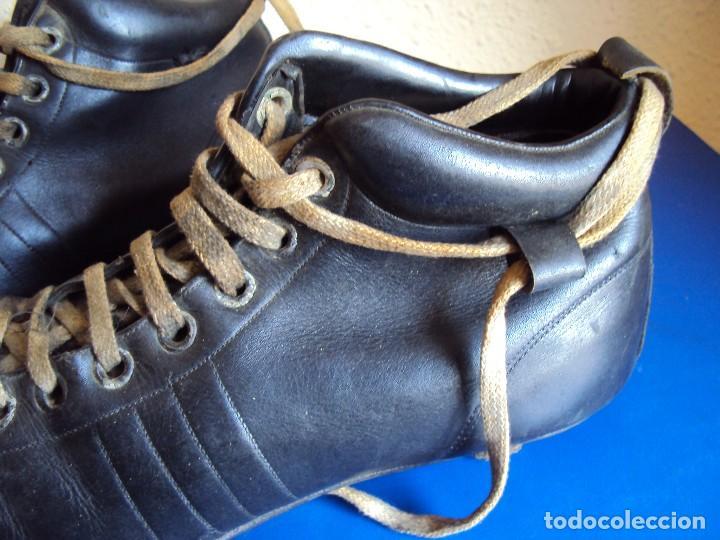 Coleccionismo deportivo: (F-180700)ANTIGUAS BOTAS DE FOOT-BALL - AÑOS 40-50 - Foto 2 - 126863411