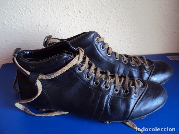 Coleccionismo deportivo: (F-180700)ANTIGUAS BOTAS DE FOOT-BALL - AÑOS 40-50 - Foto 3 - 126863411