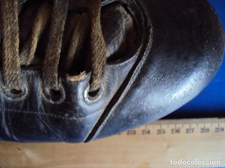 Coleccionismo deportivo: (F-180700)ANTIGUAS BOTAS DE FOOT-BALL - AÑOS 40-50 - Foto 7 - 126863411