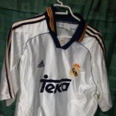 Coleccionismo deportivo: REAL MADRID L CAMISETA FUTBOL FOOTBALL SHIRT. Lote 128407339