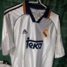 Coleccionismo deportivo: REAL MADRID M CAMISETA FUTBOL FOOTBALL SHIRT. Lote 128407359