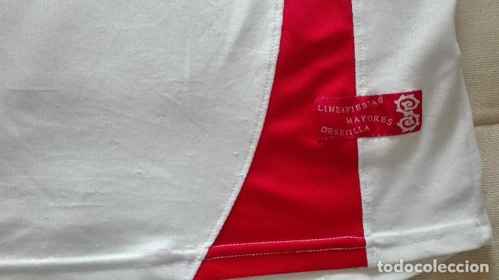 Coleccionismo deportivo: CAMISETA SEVILLA FC JOMA LINEA FIESTAS MAYORES DE SEVILLA - Foto 3 - 129965603