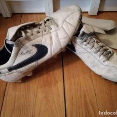 Coleccionismo deportivo: BOTAS FÚTBOL NIKE RONALDINHO Q10. Lote 132408778