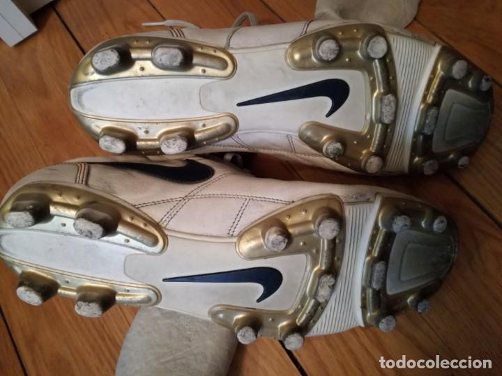 Coleccionismo deportivo: BOTAS fútbol NIKE RONALDINHO q10 - Foto 4 - 132408778