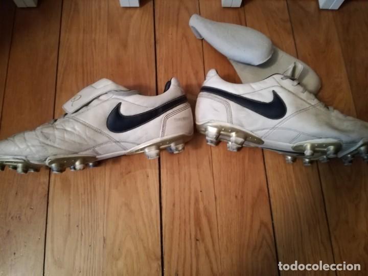 Coleccionismo deportivo: BOTAS fútbol NIKE RONALDINHO q10 - Foto 5 - 132408778