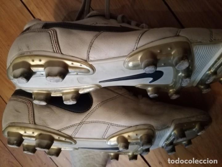 Coleccionismo deportivo: BOTAS fútbol NIKE RONALDINHO q10 - Foto 6 - 132408778