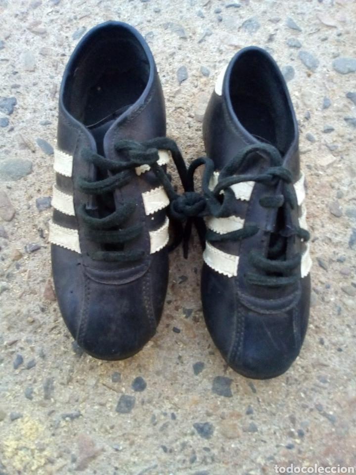 Coleccionismo deportivo: Botas de Fútbol de los Años 60_70. - Foto 2 - 133102137