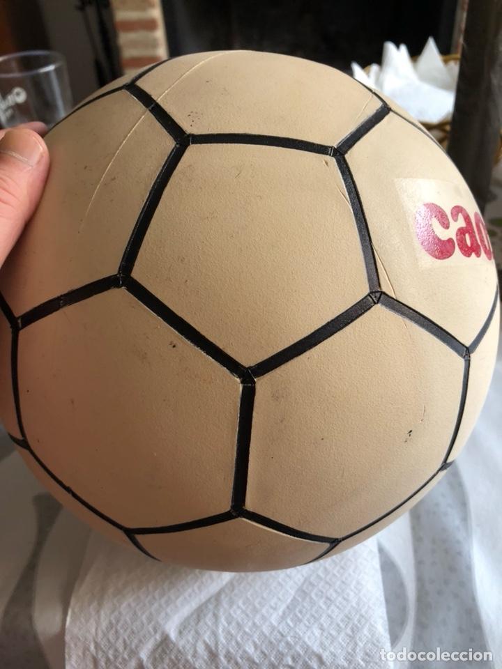 Coleccionismo deportivo: Balón publicitario caoflor firma Emilio butrageño, muy raro, nuevo - Foto 3 - 133116843