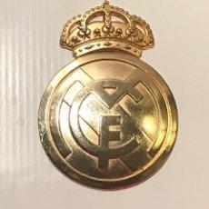 Coleccionismo deportivo: ESCUDO DEL REAL MADRID - 1701. Lote 140191718
