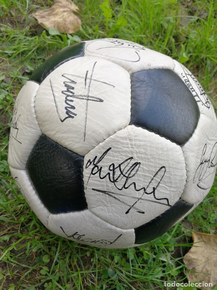 Coleccionismo deportivo: BALÓN PACIFIC- SAN MARCO CUERO FIRMADO A MANO POR LA PLANTILLA DEL F.C.BARCELONA- TEMPORADA 86-87. - Foto 3 - 140199734