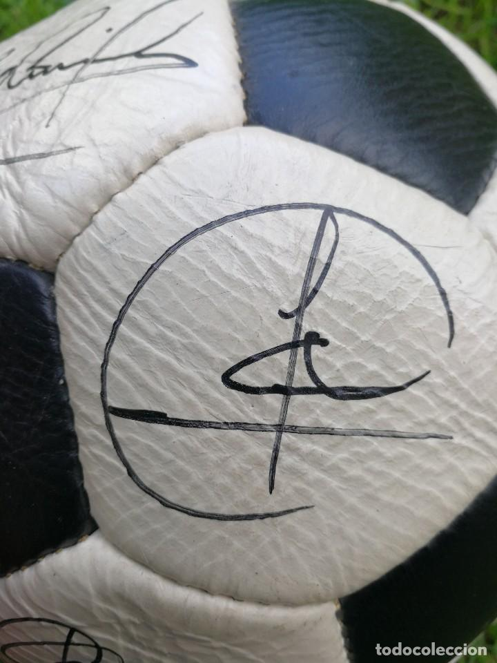 Coleccionismo deportivo: BALÓN PACIFIC- SAN MARCO CUERO FIRMADO A MANO POR LA PLANTILLA DEL F.C.BARCELONA- TEMPORADA 86-87. - Foto 14 - 140199734