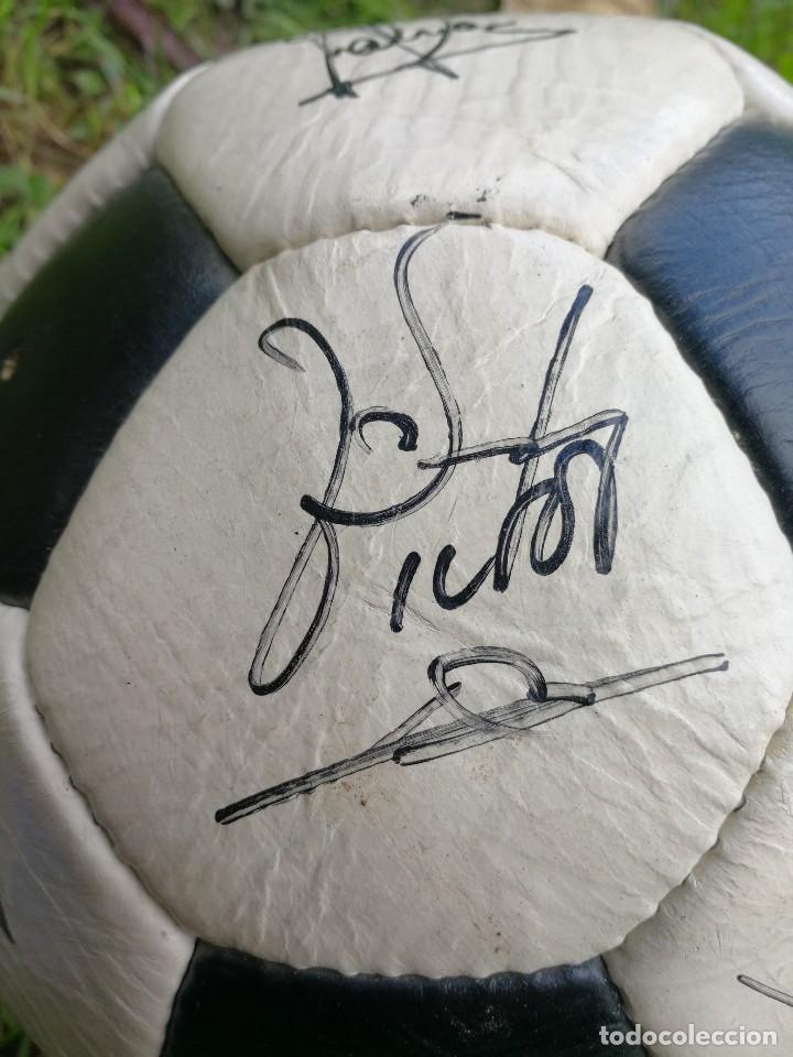 Coleccionismo deportivo: BALÓN PACIFIC- SAN MARCO CUERO FIRMADO A MANO POR LA PLANTILLA DEL F.C.BARCELONA- TEMPORADA 86-87. - Foto 22 - 140199734