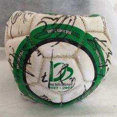Coleccionismo deportivo: BALÓN FIRMADO POR JUGADORES BETIS 2007/2008. Lote 143111141