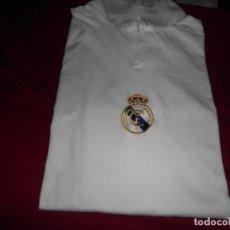 Coleccionismo deportivo: CAMISETA DE ALGODÓN DEL REAL MADRID CON FIRMAS. Lote 143737146