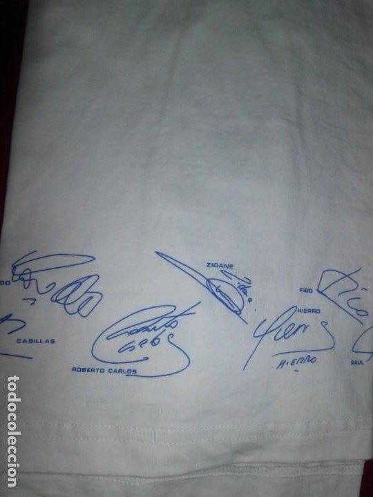 Coleccionismo deportivo: Camiseta de algodón del Real Madrid con firmas - Foto 8 - 143737146