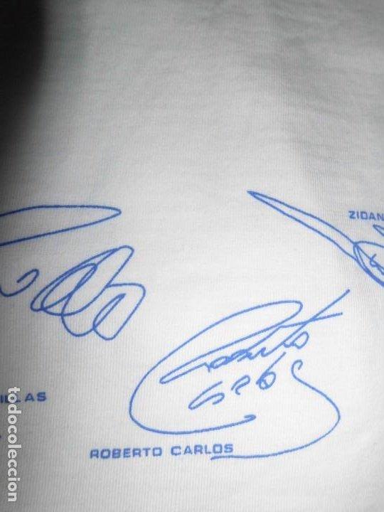 Coleccionismo deportivo: Camiseta de algodón del Real Madrid con firmas - Foto 9 - 143737146