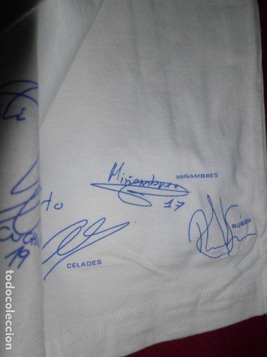 Coleccionismo deportivo: Camiseta de algodón del Real Madrid con firmas - Foto 2 - 143737146