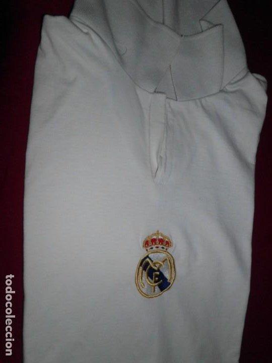 Coleccionismo deportivo: Camiseta de algodón del Real Madrid con firmas - Foto 4 - 143737146