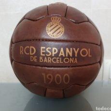 Coleccionismo deportivo: BONITA REPLICA EN CUERO PELOTA RCD ESPANYOL DE BARCELONA 1900. Lote 144696773