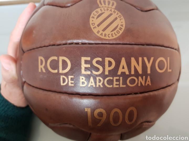 Coleccionismo deportivo: BONITA REPLICA EN CUERO PELOTA RCD ESPANYOL DE BARCELONA 1900 - Foto 5 - 144696773