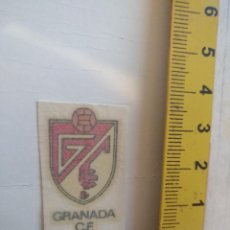Coleccionismo deportivo: ANTIGUA CALCOMANIA AÑOS 70S- ESCUDO FUTBOL LIGA - GRANADA CLUB DE FUTBOL. Lote 146071990