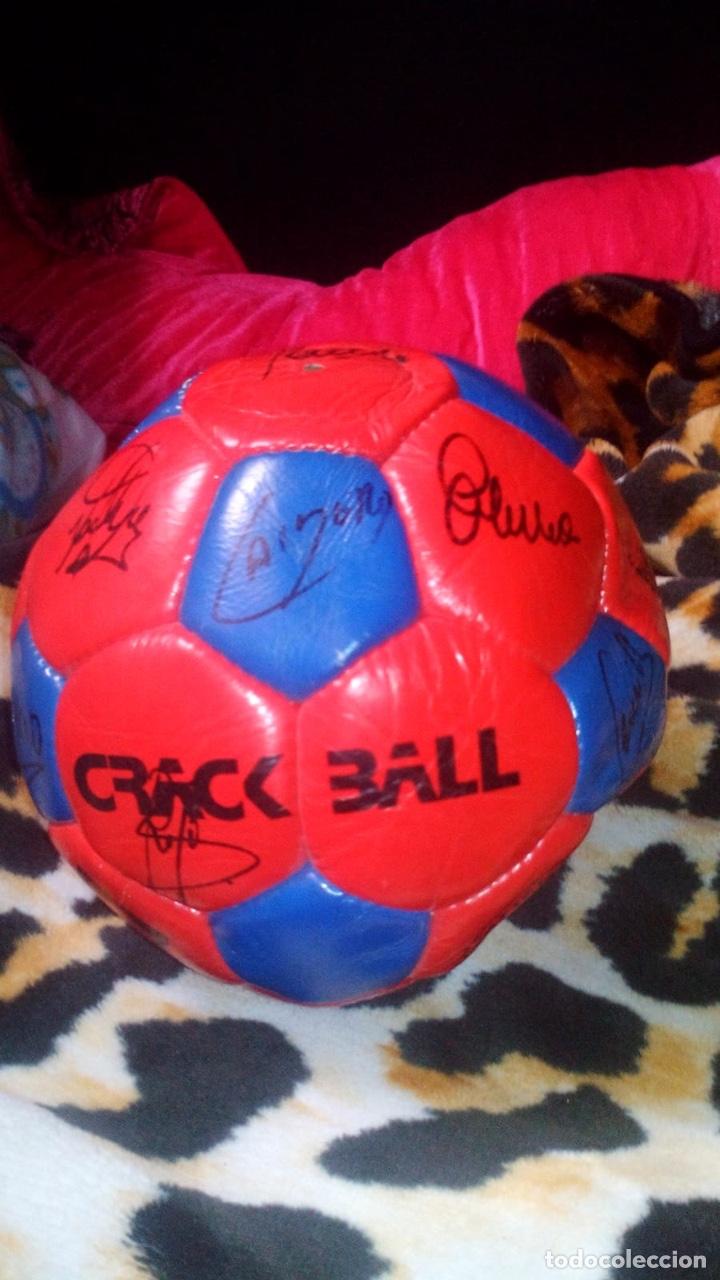 Coleccionismo deportivo: Balón del El fútbol club Barcelona firmado por todos los jugadores de fútbol época de Maradona - Foto 6 - 146867333