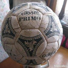 Coleccionismo deportivo: OCASION COLECCIONISTAS ANTIGUO BALON ORIGINAL AÑOS 90 ADIDAS ETRUSCO PRIMO BALON ITALIA 90. Lote 147587026