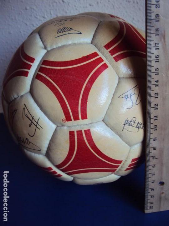 Coleccionismo deportivo: (F-1901)BALON ADIDAS TANGO ROSARIO,EDICION ESPECIAL F.C.BARCELONA,FIRMAS MARADONA,QUINI,MIGUELI,ETC. - Foto 16 - 148267606