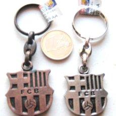 Coleccionismo deportivo: 2 LLAVERO OFICIAL FC BARCELONA DIFERENTES LOGO DORADO Y PLATEADO KEY RING CHAIN. Lote 149877986