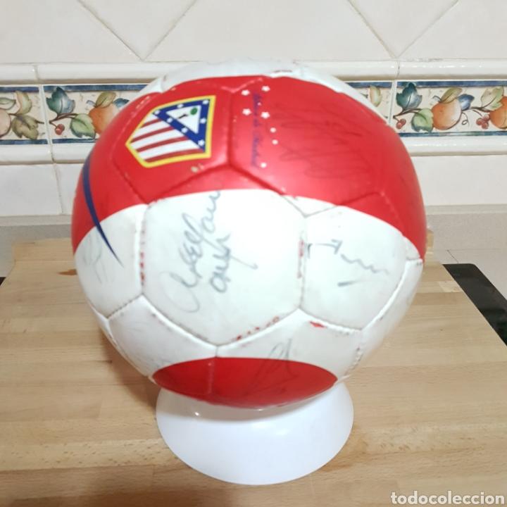Coleccionismo deportivo: Balon firmado por Antonio Reyes y resto de la plantilla del Atlético de Madrid 2009 - Foto 3 - 149999686