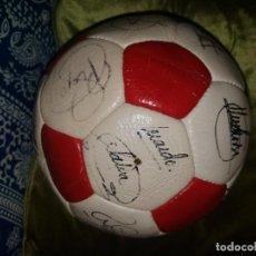 Coleccionismo deportivo: BALON DE FUTBOL FC BARCELONA FIRMADO A MANO POR LOS JUGADORES 1985 - 1986. Lote 154471634