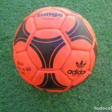 Coleccionismo deportivo: BALON ADIDAS TANGO ESPAÑA MUNDIAL 1982 - COLOR NARANJA - ORIGINAL - MUY DIFICIL - NUNCA VENDIDO. Lote 156579890