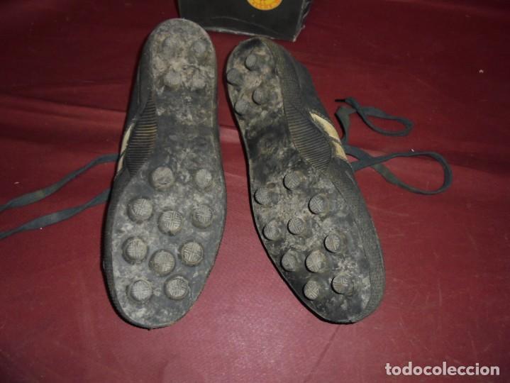 Coleccionismo deportivo: magnificas antiguas botas de futbol de la marca elche - Foto 4 - 160416962