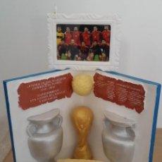 Coleccionismo deportivo: MUNDIAL SELECCION ESPAÑOLA, ESCULTURA HOMENAJE. Lote 160784006