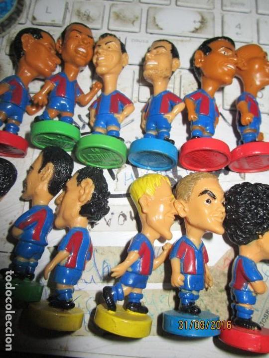 Coleccionismo deportivo: FCB 2001 BARCELONA FUTBOL CLUB COLECCION COMPLETA 12 MUÑECOS - Foto 4 - 161204938
