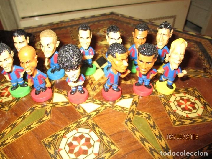 Coleccionismo deportivo: FCB 2001 BARCELONA FUTBOL CLUB COLECCION COMPLETA 12 MUÑECOS - Foto 32 - 161204938