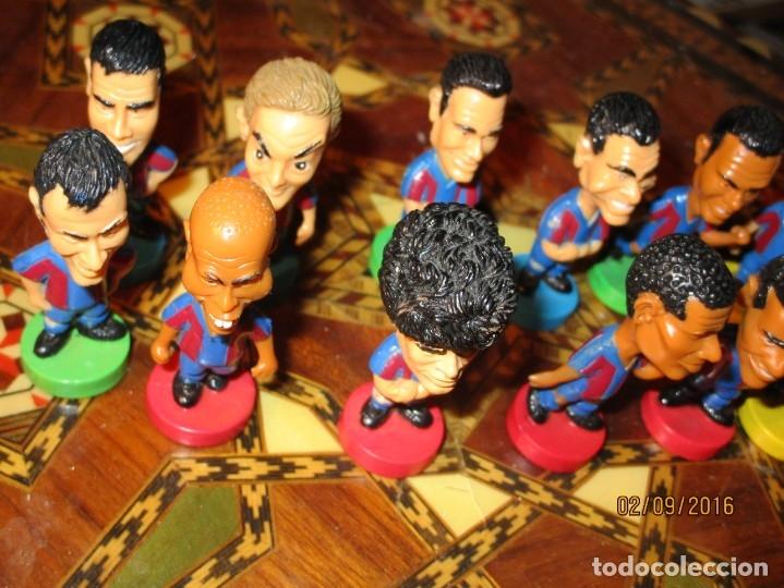 Coleccionismo deportivo: FCB 2001 BARCELONA FUTBOL CLUB COLECCION COMPLETA 12 MUÑECOS - Foto 34 - 161204938