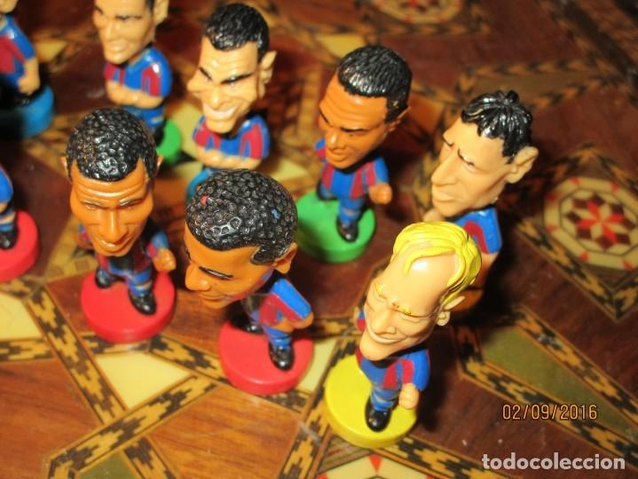 Coleccionismo deportivo: FCB 2001 BARCELONA FUTBOL CLUB COLECCION COMPLETA 12 MUÑECOS - Foto 35 - 161204938
