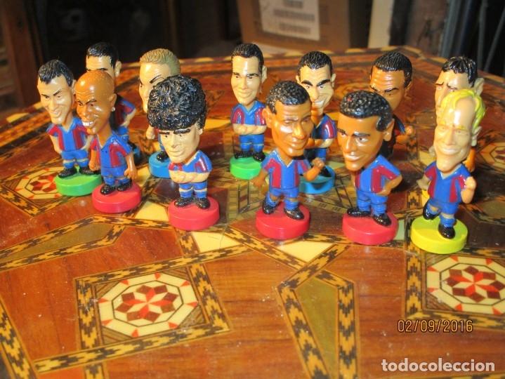Coleccionismo deportivo: FCB 2001 BARCELONA FUTBOL CLUB COLECCION COMPLETA 12 MUÑECOS - Foto 20 - 161204938