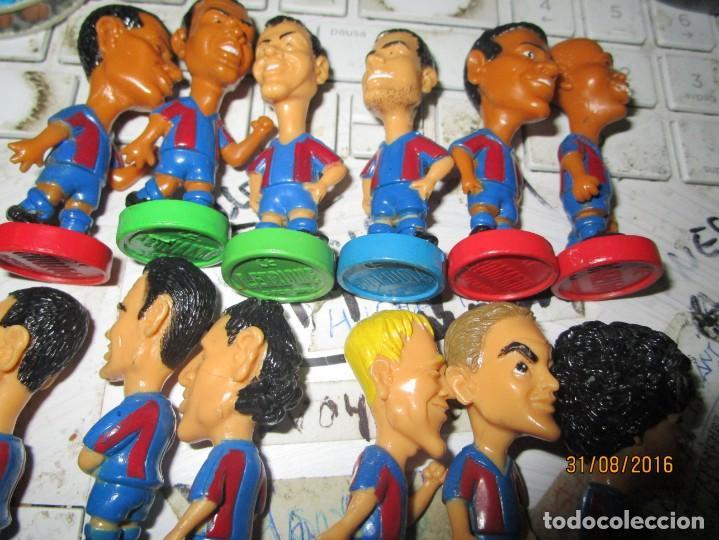 Coleccionismo deportivo: FCB 2001 BARCELONA FUTBOL CLUB COLECCION COMPLETA 12 MUÑECOS - Foto 2 - 161204938