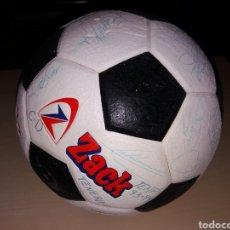 Coleccionismo deportivo: BALÓN FIRMADO POR TODA LA PLANTILLA DEL CD TENERIFE TEMPORADA 93/94. Lote 165063626