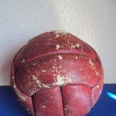 Coleccionismo deportivo: (F-190588)BALON FUTBOL12 PANELES PEGASO AÑOS 60S. Lote 165302806