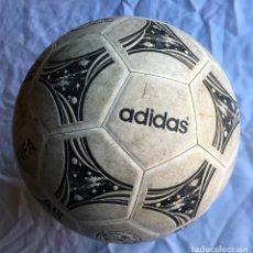 Coleccionismo deportivo: BALÓN ADIDAS QUESTRA GEMINI FIFA. Lote 169005016