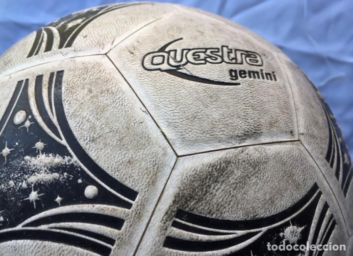 Coleccionismo deportivo: Balón Adidas Questra Gemini Fifa - Foto 3 - 169005016