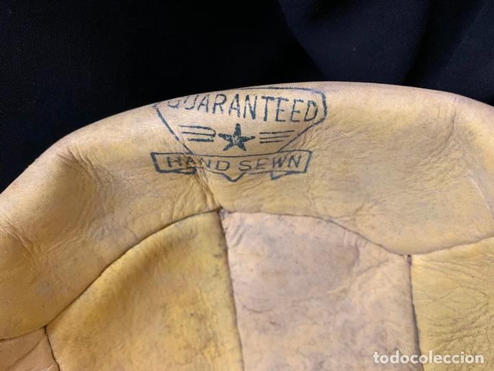 Coleccionismo deportivo: ANTIGUO BALON DE FUTBOL, DE PIEL, nunca usado, procede de una antigua tienda. Ideal coleccionismo - Foto 7 - 169673340