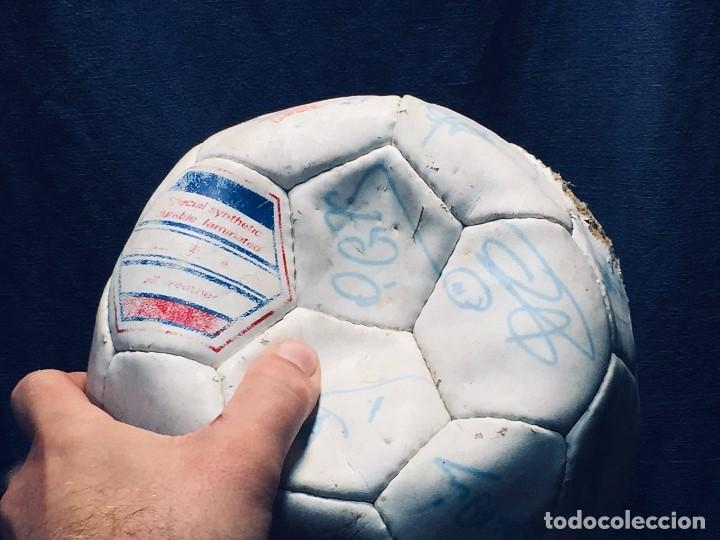 Coleccionismo deportivo: balon futbol oficial world cup fifa world cup años 80 españa firmado firmas ver fotos - Foto 4 - 170970270