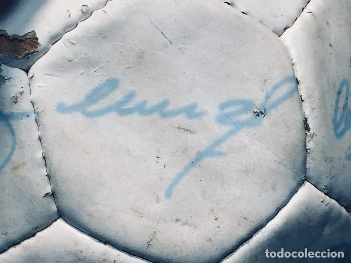 Coleccionismo deportivo: balon futbol oficial world cup fifa world cup años 80 españa firmado firmas ver fotos - Foto 11 - 170970270