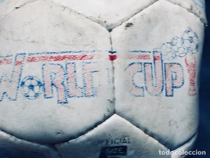 Coleccionismo deportivo: balon futbol oficial world cup fifa world cup años 80 españa firmado firmas ver fotos - Foto 26 - 170970270